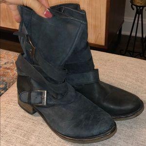 Steve Madden combat boots size 7